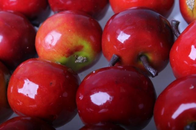 Набор яблок (24 шт) 3,5см красный - искусственные фрукты