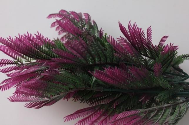Папортник зелено/малиновый 7666 - искусственные растения для декора