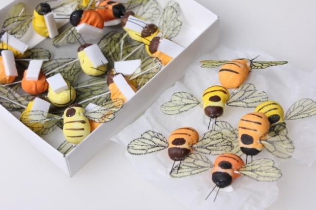 Пчелка искусственная на липучке (24шт в упаковке)