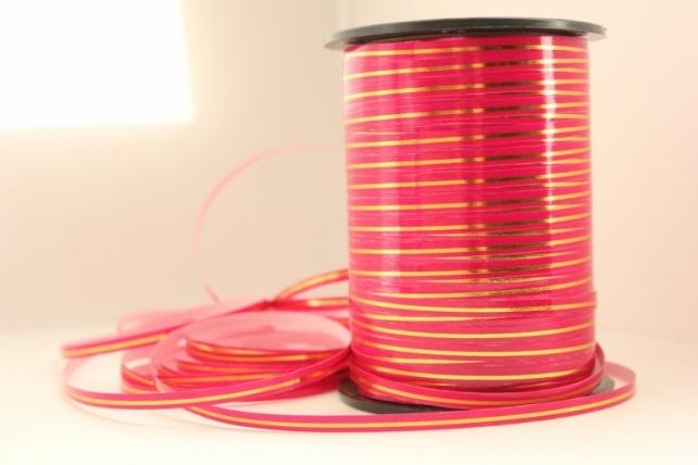 0,5 см х 250у подарочная декоративная лента с золотой полосой - 0.5х250у ярко-розовая a0544 A0544
