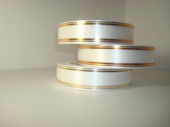 3,0 см х 50у подарочная декоративная лента с золотой полосой - 3х50у белая а399 A399