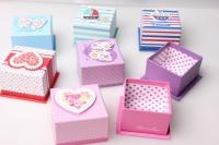Подарочная коробка Бабочки/Сердца 7,5х7,5х5,5см 1шт. (6шт. в уп) цвета и рисунки в ассортименте