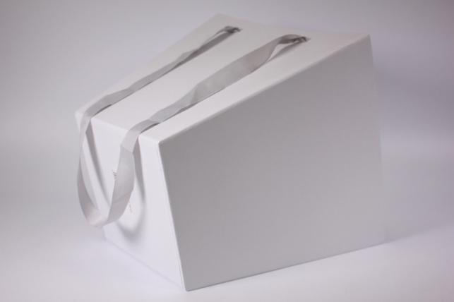 подарочная коробка под цветы 25х25х25 см. белый (1шт)  9196-9197