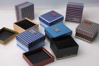 Подарочная коробка с бантом 8х9х4,5см (8шт. в уп) (цена 1шт) цвета и рисунки вассортименте