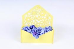 Подарочная упаковка-конверт с цветами  МДФ 3мм, окрашен., Св. желтый, ПУ307-02-2929