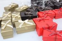 Подарочные коробки - Ассорти Прямоугольник Красный,черный, золото с бантом  8х4,5х4см  1036-41(10) (цена за 1 шт в уп 10шт)
