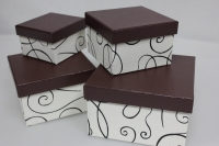 Подарочные коробки - Коробка набор из 4 шт. Квадрат белый с завитками 14,5х14,5х8,5см. SD3007-1