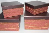 Подарочные коробки - Коробка набор из 4х Квадрат красный с золотой полосой 23х23х14 MJ2156-1