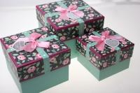 Подарочные коробки - (набор из 3шт) Куб с бантом в цветочек  15х15х12,5см ZB002 цвета и рисунки в ассортименте