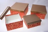Подарочные коробки - (набор из 4шт) Квадрат коричневый с серебренным завитком 23х23х14см MJ2156-6789 цвета и рисунки в ассортименте