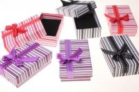 Подарочные коробки - Прямоугольник с бантом 5х8х3см (24) 10009-6 цвета и рисунки в ассортименте