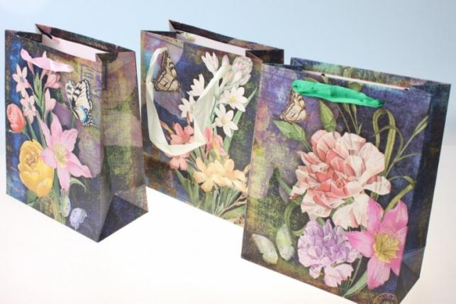 Подарочные пакеты Цветы (17х21х8,5)  (12 шт/уп) рисунки в ассортименте