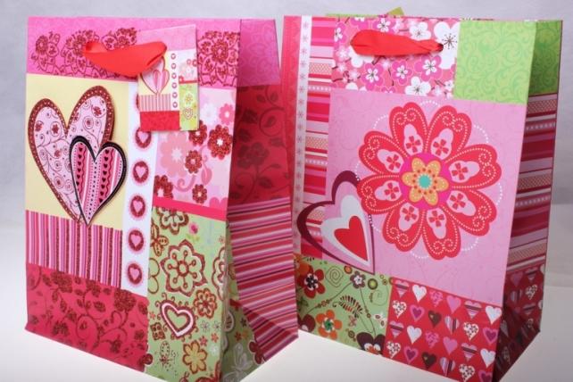 Подарочные пакеты Люкс Цветок, Бабочка, Сердце с блестками  (18х23х10) (12 штук)