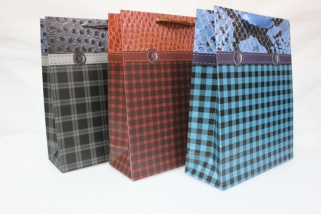 Подарочные пакеты  - Люкс Клетка с пуговицей (26х32) (12шт в уп)