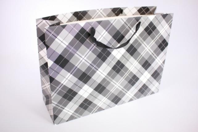 Подарочные пакеты -СумкаЛюкс- КлеткаЧерная(47*37*14)(12шт/уп)012L