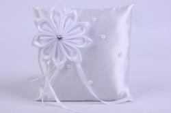 Подушка под кольца в пакете- белая с белым цветком
