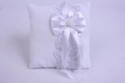 Подушка под кольца в пакете- белая с белым декором