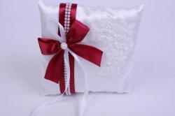 Подушка под кольца в пакете- белая с бордовой лентой