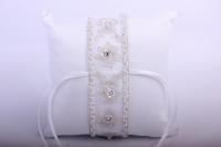 """Подушка под кольца в пластиковой  коробке """"Элит""""- белая с вышивкой 14х14см"""