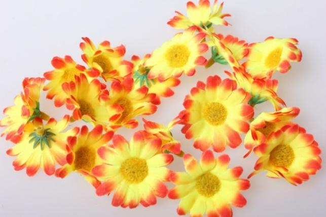 Ромашка желто/оранжевая, цветная 3,5см (60шт в уп) 9743
