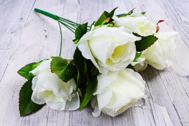Роза (7 цветков) белая