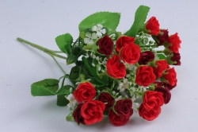 роза мелкая букет красная 35см