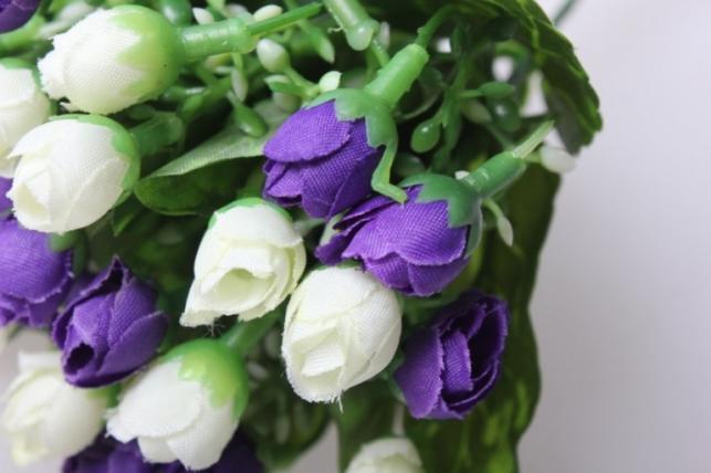 роза мини букет бело/сирень 30см
