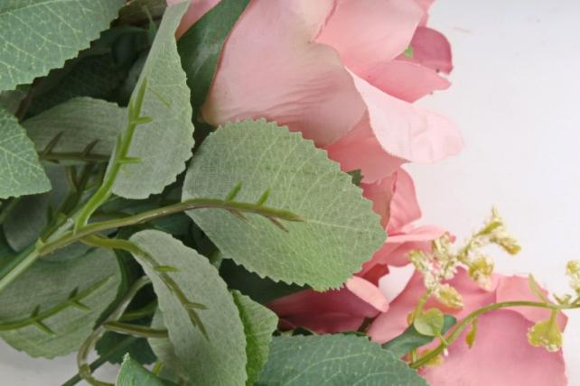 """Роза с гофрированными лепестками """"пыльная роза"""""""