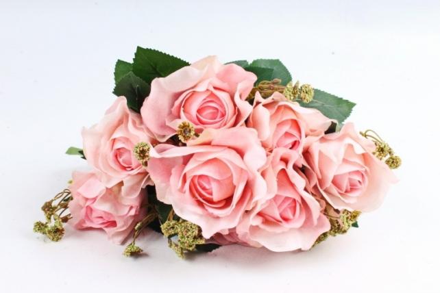 Роза с гофрированными лепестками розовая