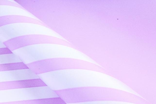 Рулон Пленка матовая двухцветная 60мкм 60см x 10м Диагональ жемчуг/сиреневый светлый00072064