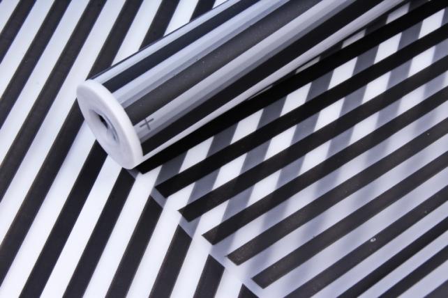 Рулон Пленка матовая Полоса Вертикаль 0,7*10м черный 00068453