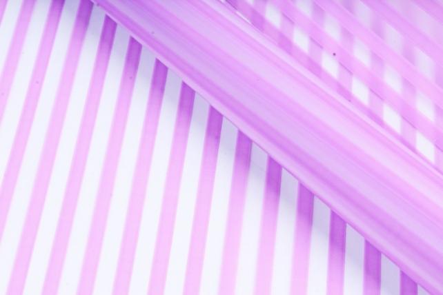 Рулон Пленка матовая Полоса Вертикаль 0,7*10м сиреневый 00068225