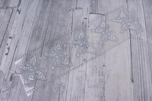 стразы бабочки с сердцами серебро на листе  6шт dz762  8949