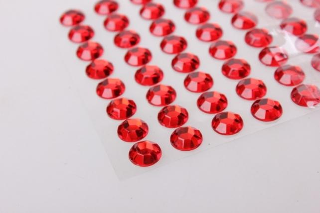 стразы граненые круглые красные на липучке 10мм   88шт