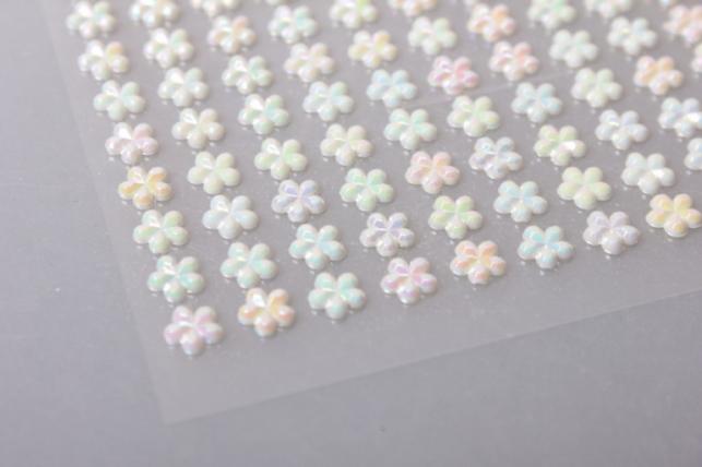 стразы на липучке цветочки 6мм 396шт dz548