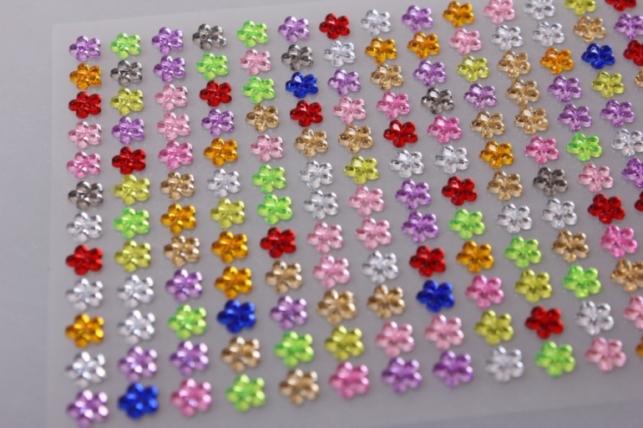 стразы на липучке цветочки разные 6мм 396штdz553
