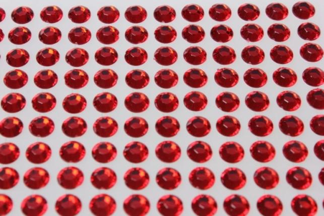 стразы на липучке красные 8мм 135шт 7188