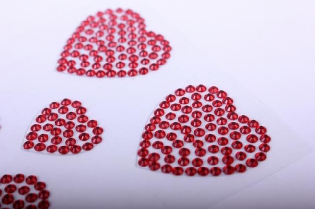 стразы на липучке -  сердце красное 25-35мм   14шт  dz616 - код 1057