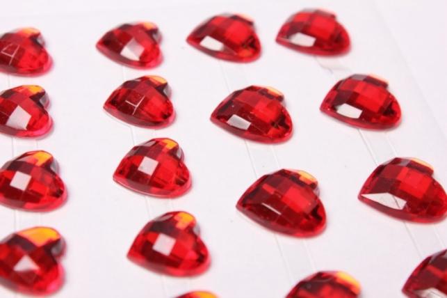стразы сердца красные на липучке 54 шт 8983
