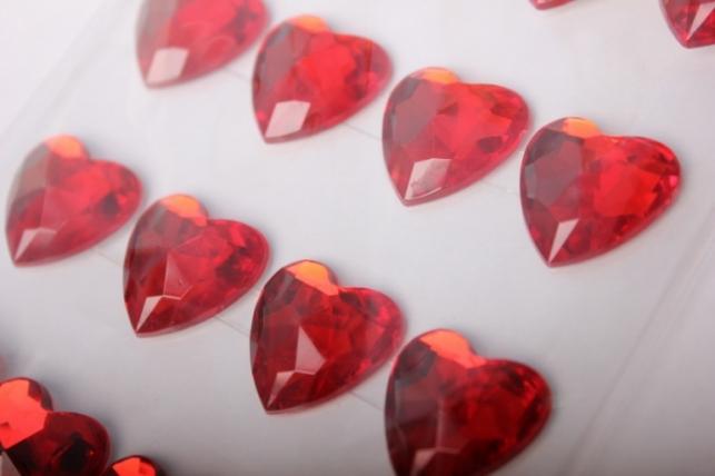 стразы сердце красное 20мм 20шт  dzser20