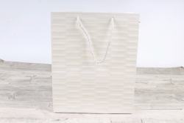 Сумка Люкс Тиснение полоска белая (12шт в уп) Цена за 1шт  L46