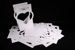 Сумка-корзинка для цветов Сердце белое  (10шт в уп)  цена за уп  F16