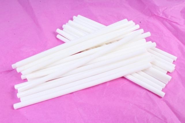 ТермоКлей цветной  (7*200 мм) -8790-белые 1000 г