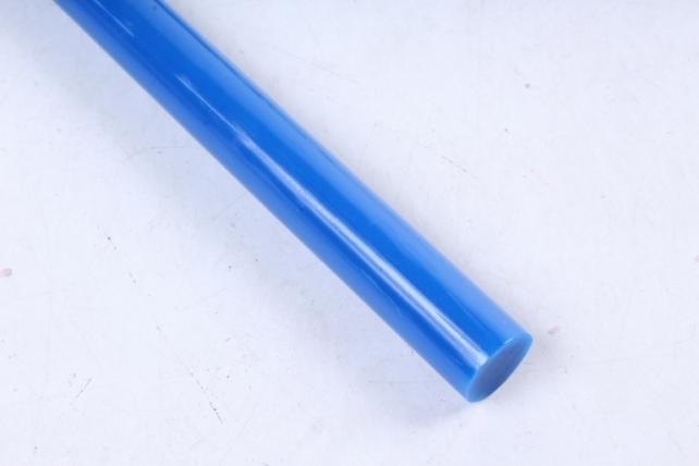 ТермоКлей цветной  (11,2*200 мм) -8191-синие 500 г