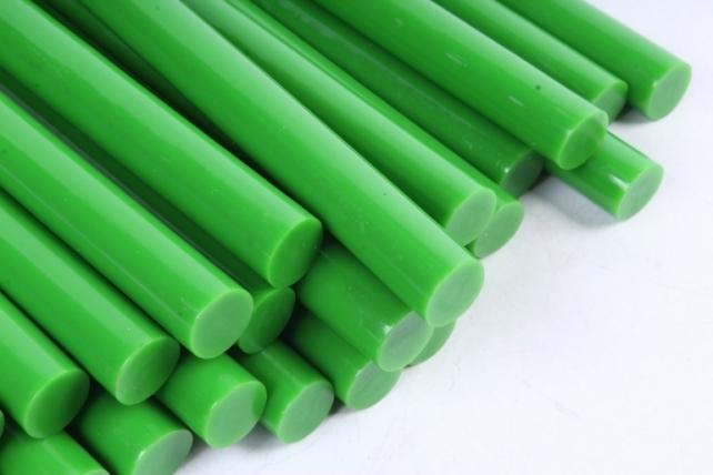 ТермоКлей цветной  (11,2*200 мм) -8192-зелёные 500 г