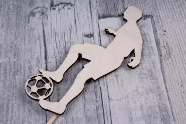 """Топпер """"Футболист №2"""" (шир.4,5см, выс.11см) фанера, оформл., на палочкеТп68-02-0000"""
