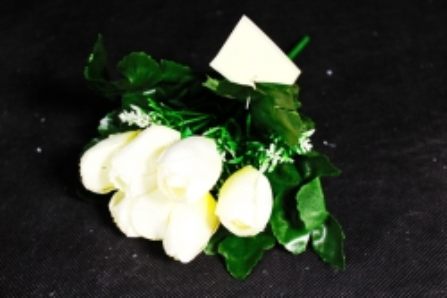 Тюльпаны белые  с вереском