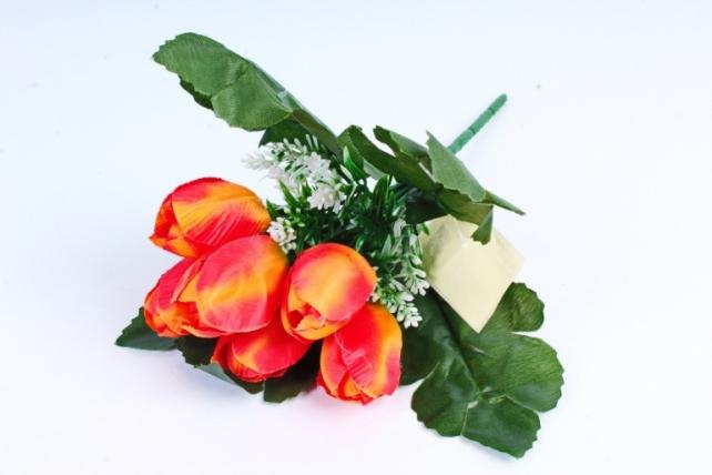 Тюльпаны оранжевые с вереском
