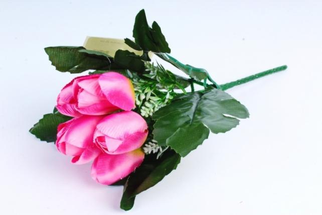 Тюльпаны розовые с вереском