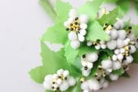 тычинки  белые сахарные с листочками 7см (120 шт в упаковке) 1723